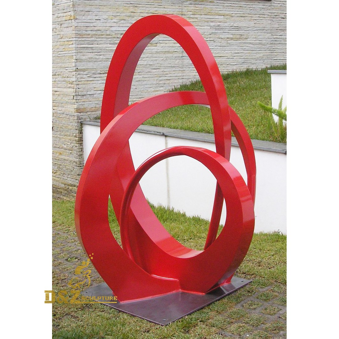 Circular cross sculpture