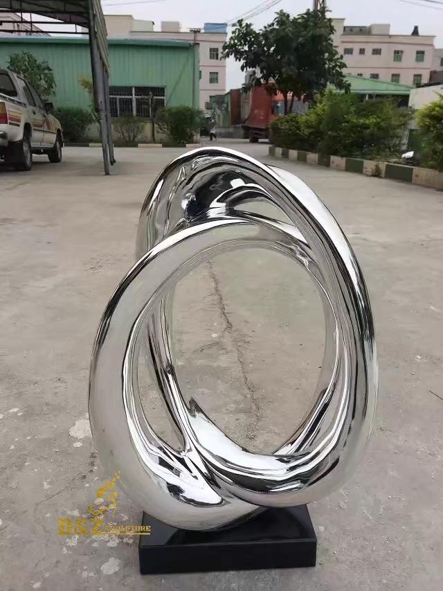 Cross ring sculpture