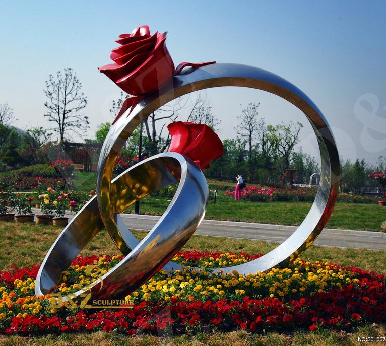 Rose ring sculpture