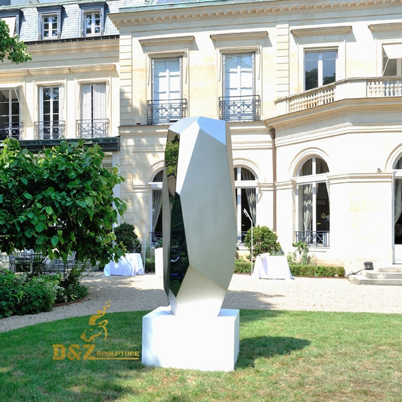Self-designed sculpture