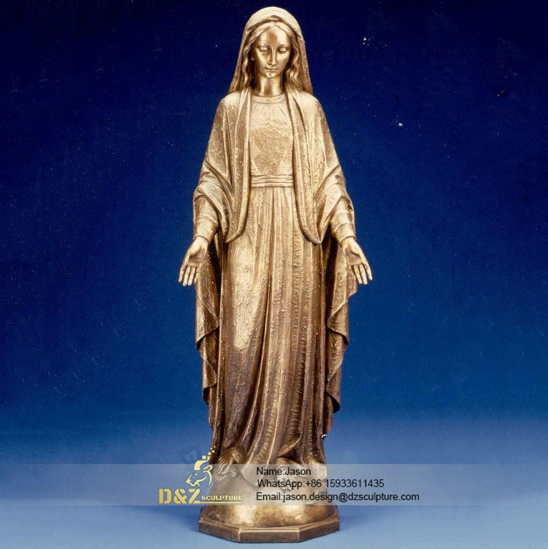 Notre Dame spread love