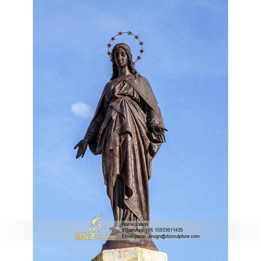 Outdoor Virgin Mary statue