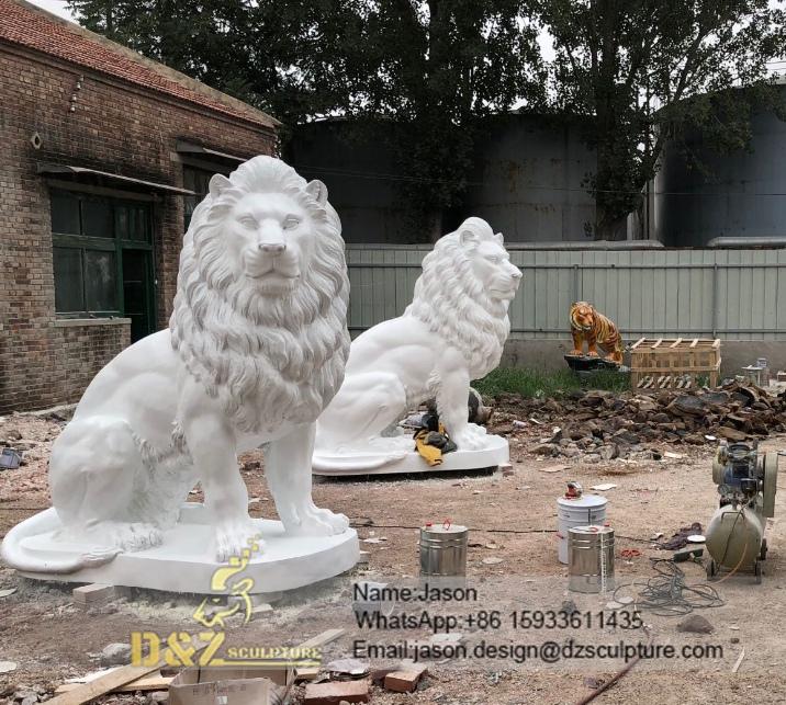 White big lion sculpture