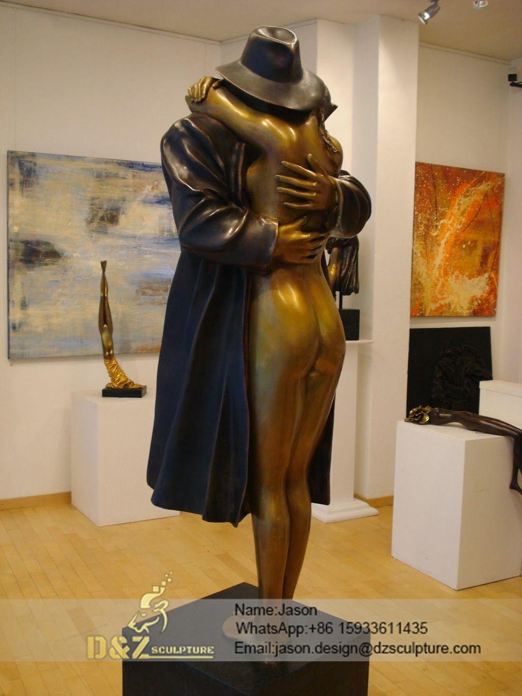 contemporary art hug sculpture