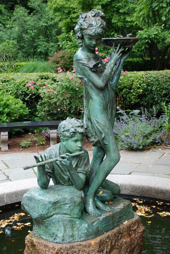 Statue by Bessie Porter Vonnoh