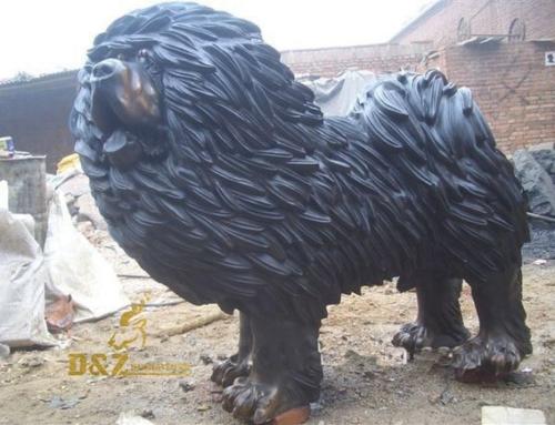 Tibetan mastiff statue