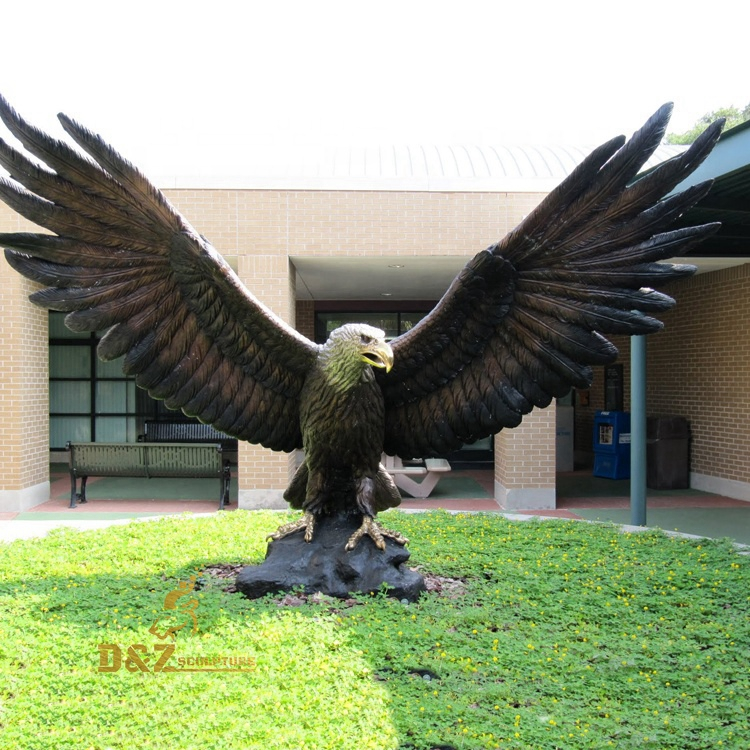 Eagle spread its wings sculpture