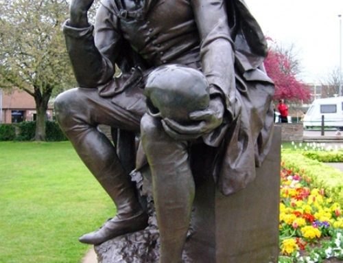 Garden Shakespeare thinker statue