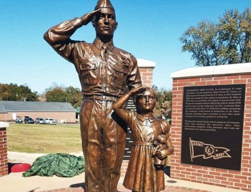 Soldier and daughter sculpture