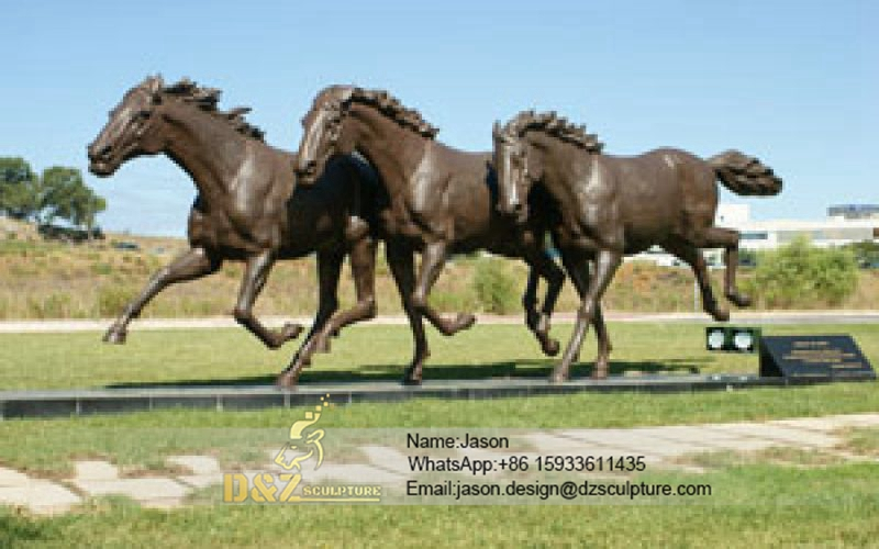 The three horses sculpture