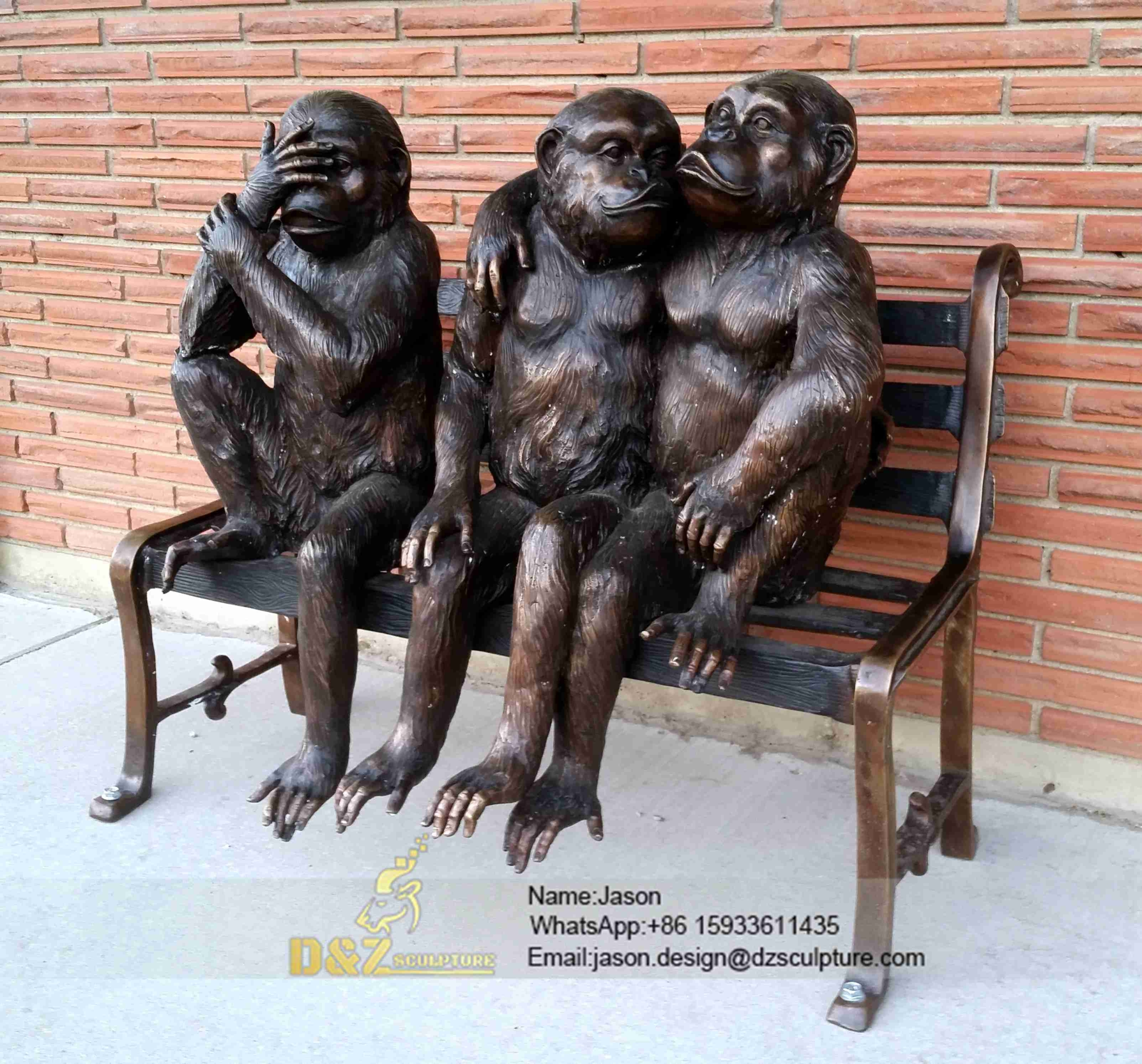 Monkeys sculpture statue