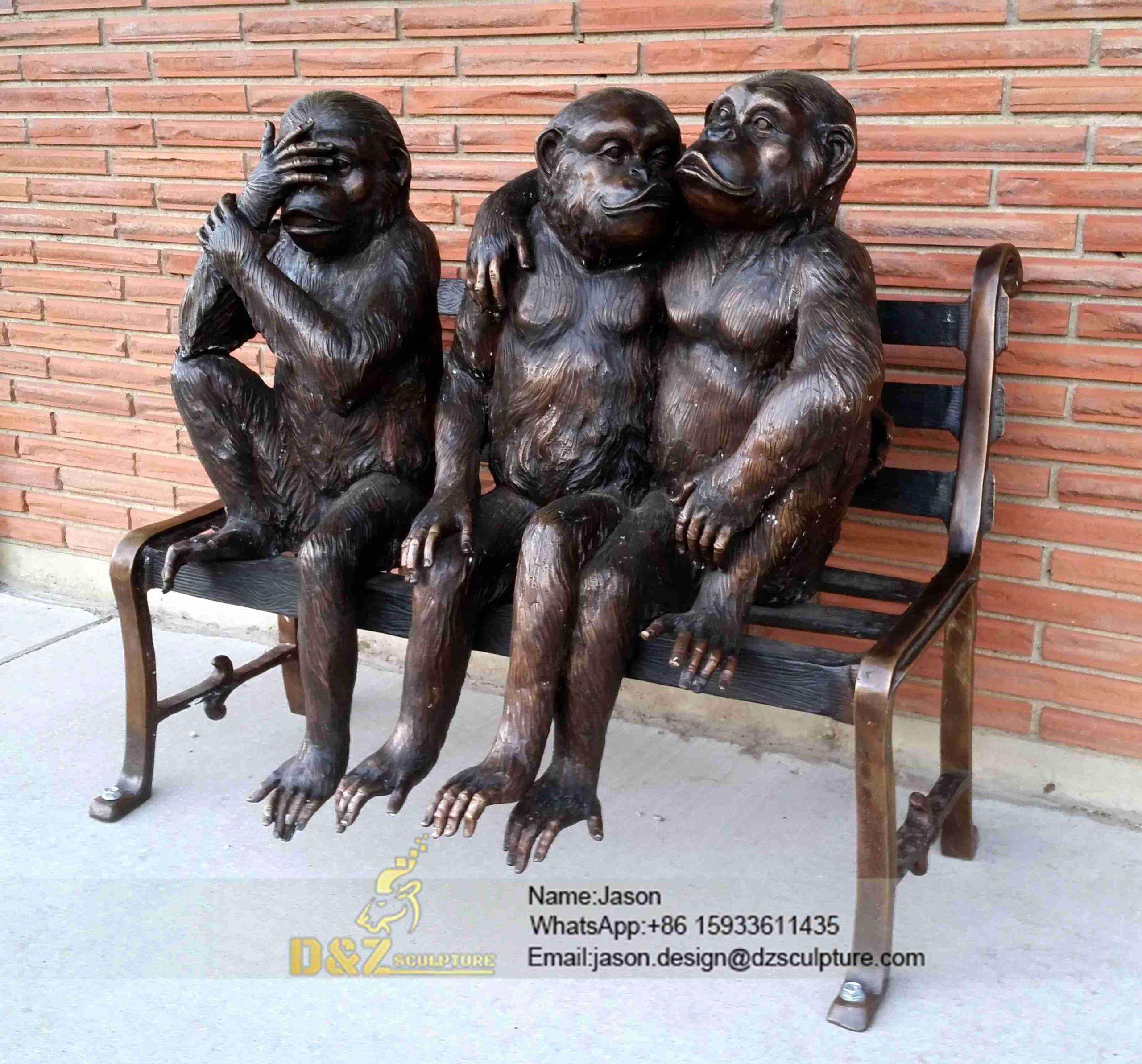 Monkeys sculpture statue