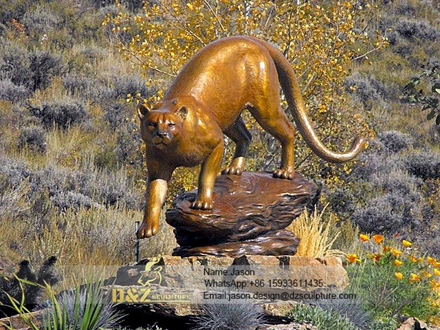 Bear sculpture walking bronze statue